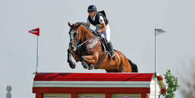 PferdePromi: Olympiasiegerin Amande de B'Neville