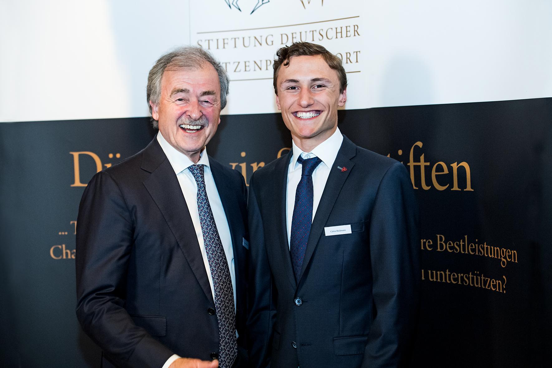 Calvin Böckmann mit Sonderpatenschaft ausgezeichnet